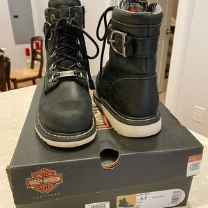 Woman's Harley Davidson Marconi boot.